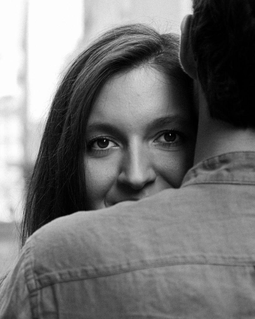séance photo couple noir et blanc
