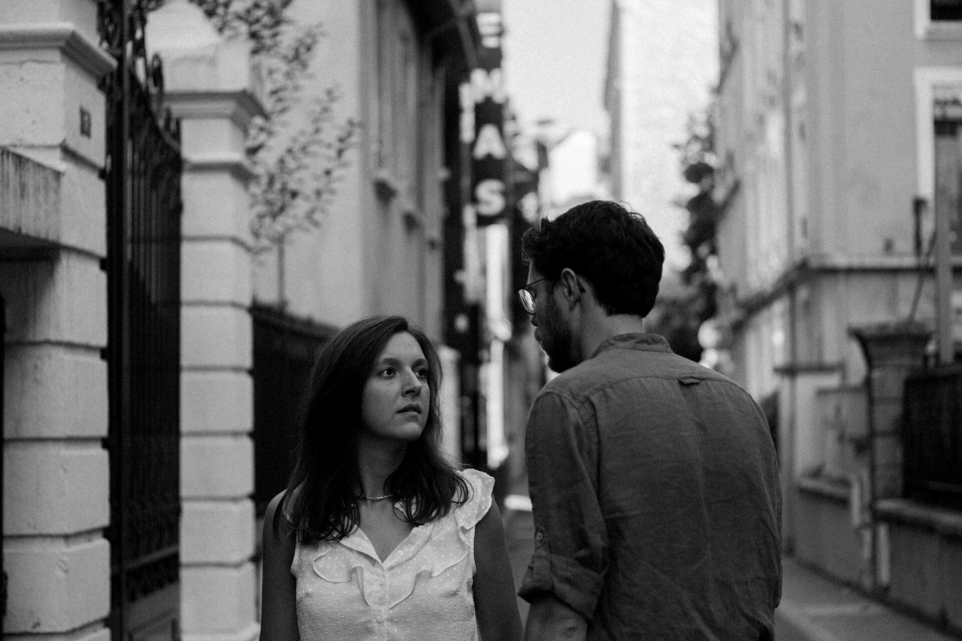 séance photo de couple urbaine